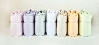 Obrázok z Mantinel do postieľky 360x30 cm - s volánikom - Mix farieb