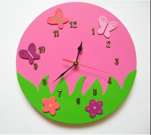 Obrázok Detské drevené hodiny Veselá lúka - ružová